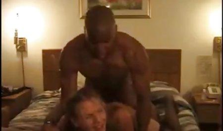 دانش آموزان فاحشه بلوند را به جنگل بردند و دانلود فیلم سکسی با کیفیت با لینک مستقیم در دو عضو به او تجاوز کردند