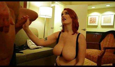 یک دوست کلاه یک دوست دختر چاق را با سینه های بزرگ دانلود سریال سکسی با لینک مستقیم روی یک خروس می کشد