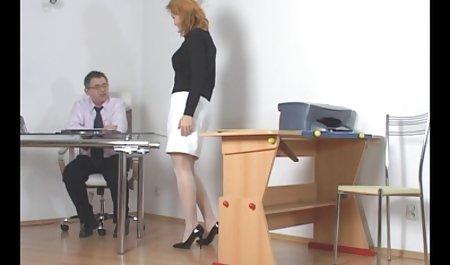 رئیس با بشکه بزرگ یک دستیار باریک در بیدمشک روی میز دانلود فیلم سکسی با کیفیت با لینک مستقیم دارد