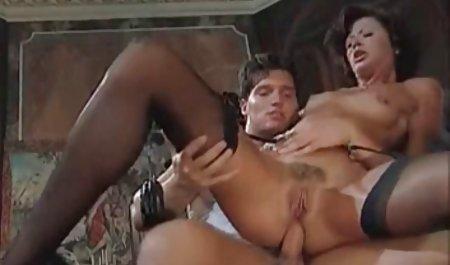 یک هم اتاقی در واژن در زیر دوش زیبایی را دانلود مستقیم فیلم سینمایی سکسی می خرد و روی سینه اش ختم می شود