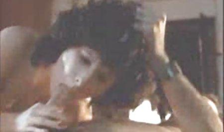 مادر در جوراب ساق بلند یک dildo بزرگ با مقعد تنگ در خانه مقابل دانلود فیلم سینمایی سکسی با لینک مستقیم دوربین است