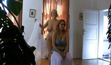 دو زیبایی که دانلود مستقیم فیلم پورن توسط یک مرد مکیده شده است