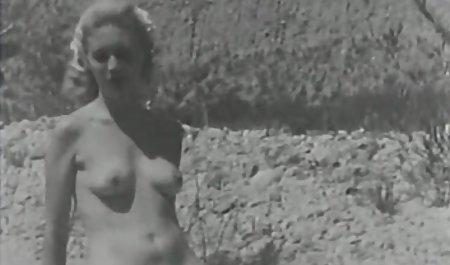 آماتور دانلود فیلم سکسی مستقیم با الاغ الاستیک مبتلا به سرطان در رختخواب شد و به آن پسر بیدمشک داد