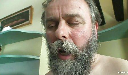 خانه دار با الاغ چربی پس از کونی دانلود فیلم سکسی با کیفیت 4k در پله ها ، خود را به عضله جوانی به ماندا داد