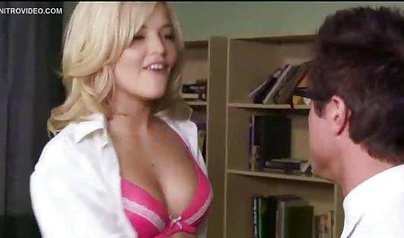 یک مرد نوبت خود را به مکیدن دو مادر آبدار با ماسکهای باسن بزرگ مبتلا به دانلود رایگان فیلم های سکسی با لینک مستقیم سرطان می کند