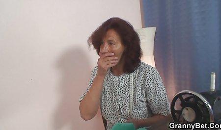 سبزه به خانه بازگشت و همسر کوچک شیرین را فیلم سینمایی سکسی با لینک مستقیم در اتاق خواب بوسید