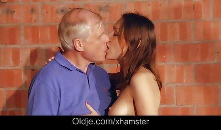 دو عاشق ، تنه دانلود رایگان فیلم سکسی با لینک مستقیم های بزرگی را در دهان ، گربه و لاتین مقعد خود با سینه های بزرگ وارد می کنند