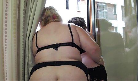 دوست پسر لاغر دانلود رایگان فیلم پورن با لینک مستقیم زیبایی جوراب ساق بلند در کلاه هتل است