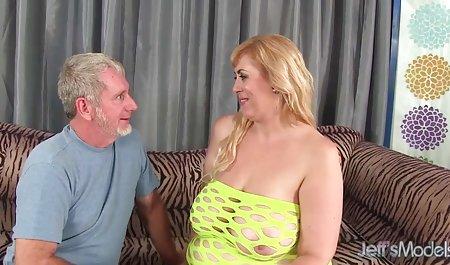 اسپرم روی پاهای باریک. دانلود فیلم سکسی با لینک مستقیم