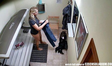 عاشق دانلود فیلم سکسی کم حجم با لینک مستقیم سفید زن سیاه را در جوراب ساق بلند خالص مهبل (واژن) می خورد