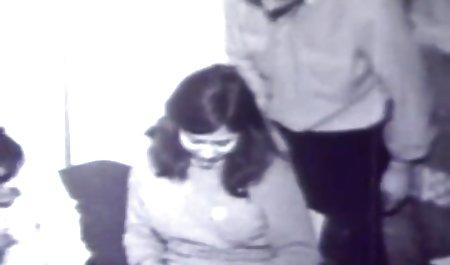 میسون مور با خال کوبی روی دانلود مستقیم و رایگان فیلم سکسی بدن خود را به یک مرد سیاه داد