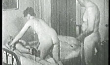 بلوند به طرز شیرین عضو دانلود با لینک مستقیم فیلم سکسی را می خورد و بعد از آن در شکاف خالی می شود.