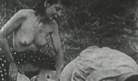 پسر جوان فیلم پورن لینک مستقیم دستور داد یک روسپی سنی در خانه داشته باشد