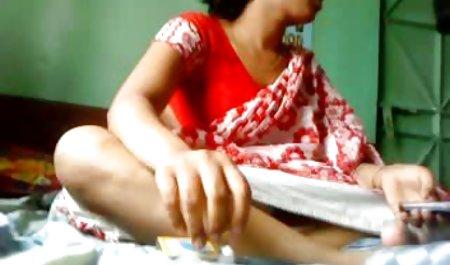 داوالکی با خوشحالی روی صندوقچه های بچه ها می نشیند و به دانلود مستقیم فیلم سکسی رایگان آنها الاغ می دهد