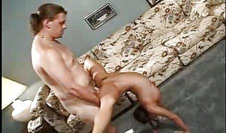 مرد مویی روی یک عثمان پس از پشت بینی در الاغ فیلم مستقیم سکسی ، شریک زندگی را لگد می زند